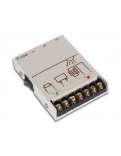 Regulateur de tension cc pour energie solaire