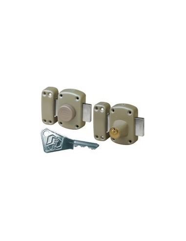 Verrou pluton sur carte - réf.:4200 / sccaractéristiques:a bouton et cylindre 45 mm